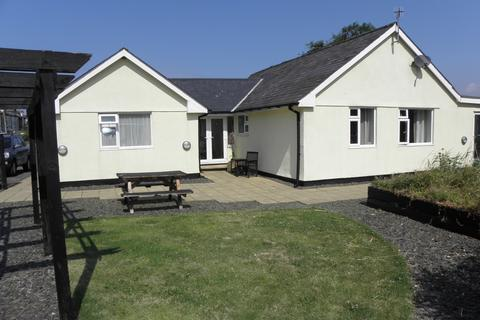 4 bedroom bungalow for sale - Morfa Bychan, Fairbourne, LL38
