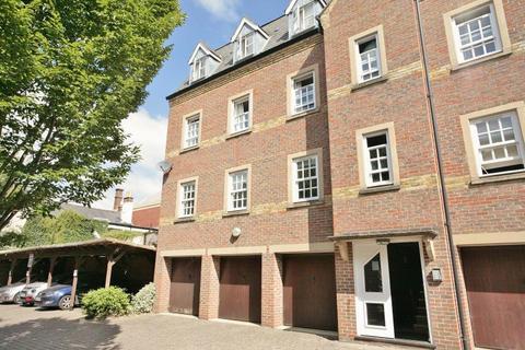 2 bedroom apartment to rent - Castle Mews, St Thomas Street, Oxford, OX1 1JR