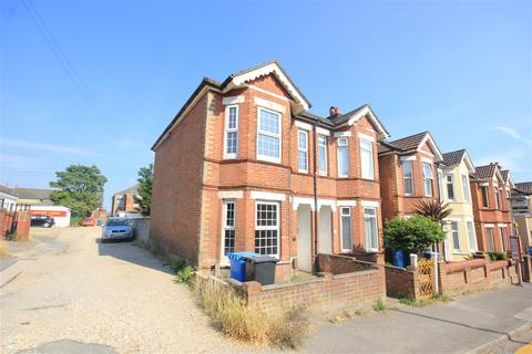 3 bedroom semi-detached house to rent - Richmond Road, Lower Parkstone, Poole