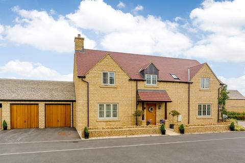5 bedroom detached house for sale - Top Farm, Kemble, Cirencester, Gloucestershire