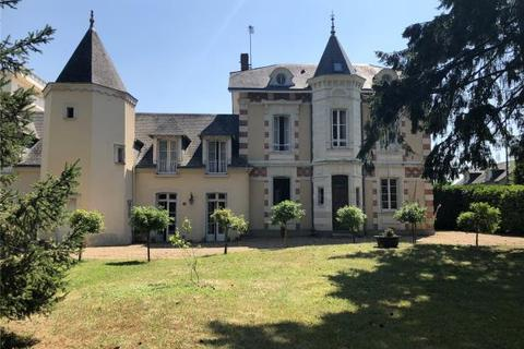 5 bedroom townhouse - Sable Sur Sarthe, Loire Valley, France