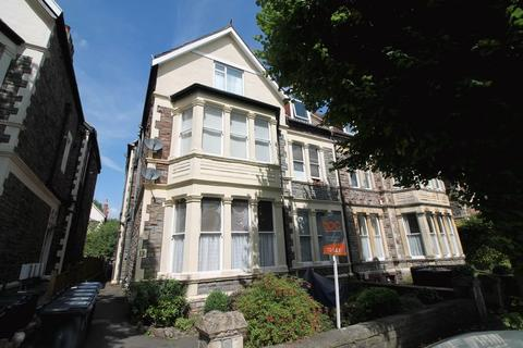 Studio to rent - Blenheim Road, Redland, Bristol, BS6