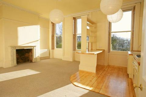 2 bedroom ground floor flat to rent - Lansdown Place, Cheltenham