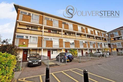 3 bedroom maisonette for sale - Whitethorn Street, Bow E3