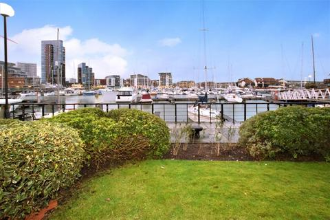 1 bedroom ground floor flat to rent - Atlantic Close, Ocean Village, Southampton, Hampshire, SO14 3TB