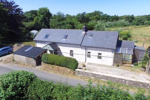 3 bedroom property with land for sale - Mydroilyn, Near Aberaeron