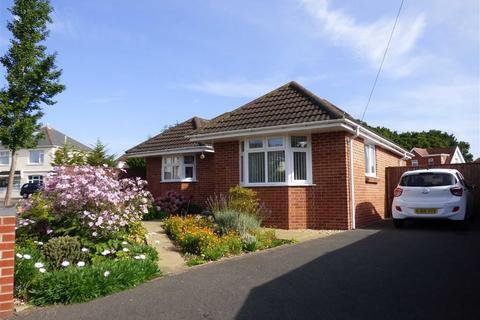 2 bedroom bungalow for sale - Frensham Close, Redhill, Bournemouth, Dorset