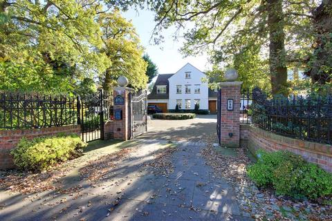 7 bedroom detached house to rent - Beech Hill, Hadley Wood, Hertfordshire