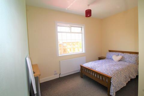 1 bedroom end of terrace house to rent - Ensuite 4, 01 Osborne Road