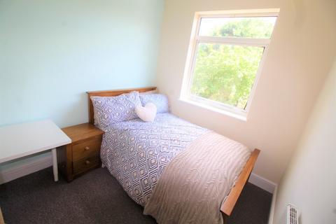 1 bedroom end of terrace house to rent - Ensuite 2, 01 Osborne Road