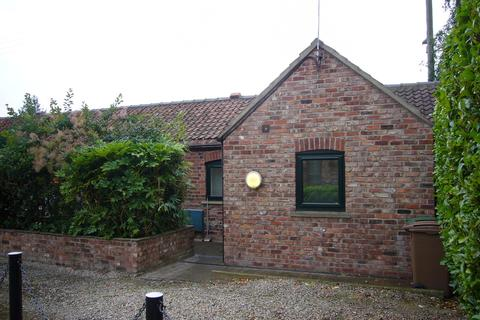 1 bedroom barn conversion - 1 Barn Close, Pollington, Nr Goole, DN14 0DJ