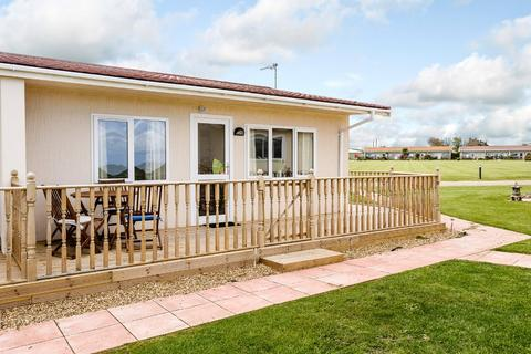 2 bedroom chalet for sale - Mill Lane, Bacton