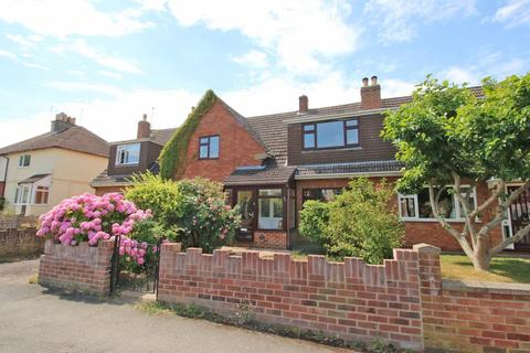 3 bedroom semi-detached house for sale - Old Bath Road, Cheltenham
