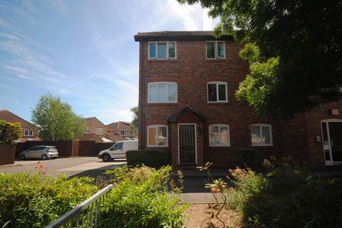 2 bedroom apartment to rent - Earlsfield Drive, Chelmer Village, Chelmsford, CM2