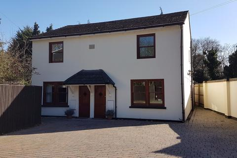 3 bedroom semi-detached house to rent - SUNNINGHILL Gated Modern 3 Bed, 2.5 Bath House with Garden and Private Parking.