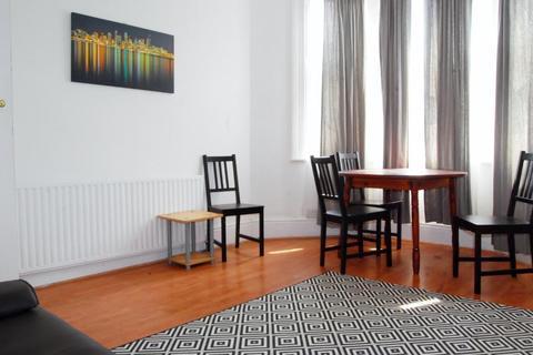1 bedroom flat to rent - Brighton Terrace, Brixton, london, London, SW9 8DG