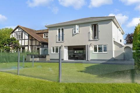 5 bedroom detached house for sale - West Molesey