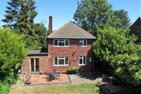 3 bedroom detached house for sale - Izaak Walton Way, Chesterton