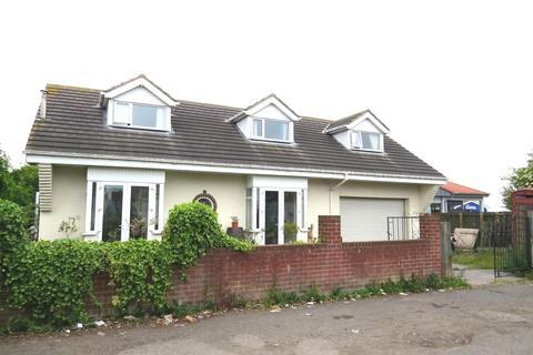 3 bedroom detached bungalow for sale - Back Woodhorn Road, Ashington