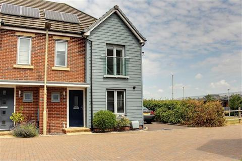 3 bedroom semi-detached house to rent - Mainsail Lane, Gloucester