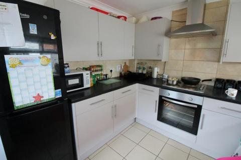 4 bedroom terraced house to rent - College road , , Barry
