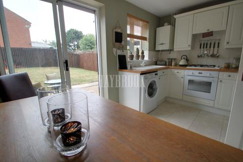 2 bedroom semi-detached house for sale - Fretson Close, Parklands, S2
