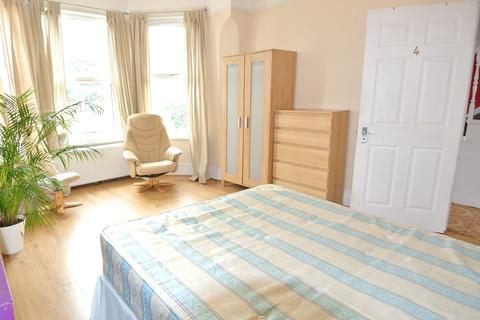 1 bedroom in a house share to rent - Aberdeen Road, Dollis Hill NW10