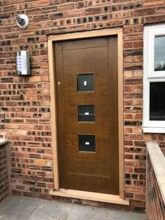 2 bedroom flat to rent - BRIGHTON GROVE, MANCHESTER M14