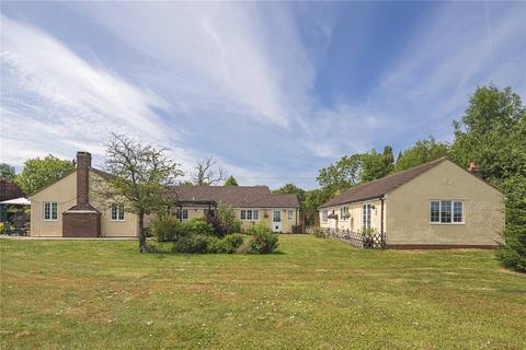 4 bedroom detached bungalow for sale - Cardinals Green, Horseheath, Cambridge, CB21