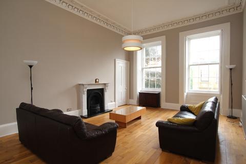 3 bedroom flat to rent - Glasgow Street, Flat 2/1, Hillhead, Glasgow, G12 8JW