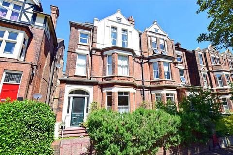 2 bedroom flat for sale - Bouverie Road West, Folkestone, Kent