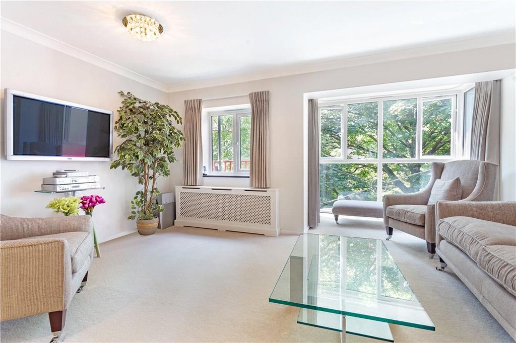 House For Sale E14