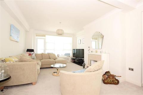 3 bedroom apartment for sale - Marine Drive, Brighton, East Sussex