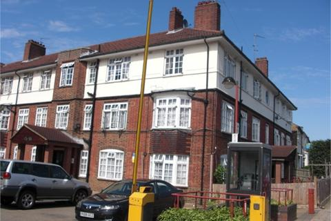 3 bedroom flat to rent - Fountain Road, Tooting Broadway