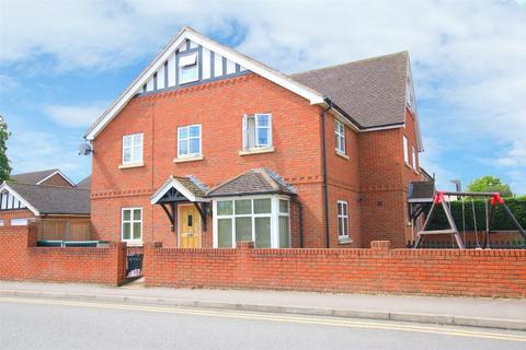 3 bedroom semi-detached house to rent - Denton Road, WOKINGHAM, Berkshire