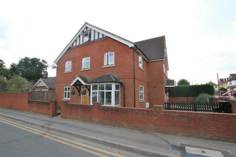 3 bedroom semi-detached house to rent - Denton Road, WOKINGHAM, Berkshire