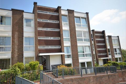 2 bedroom apartment to rent - Hartslock Court, Shooters Hill, Pangbourne, Reading, RG8