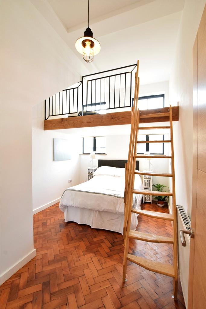 Bed 1 and Mezzanine