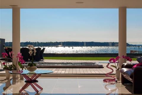 3 bedroom apartment for sale - Tides, 324 Sandbanks Road, Evening Hill, Poole, BH14
