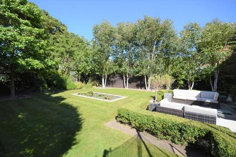5 bedroom detached house for sale - Leas Park, Hoylake