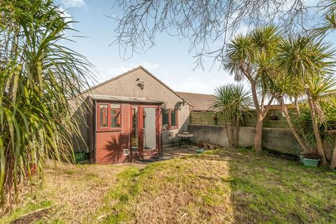 3 bedroom bungalow for sale - Carbis Bay Holiday Park, St. Ives