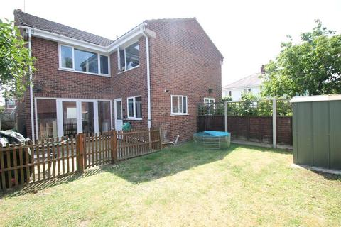 3 bedroom semi-detached house for sale - Churchill Grove, Tewkesbury