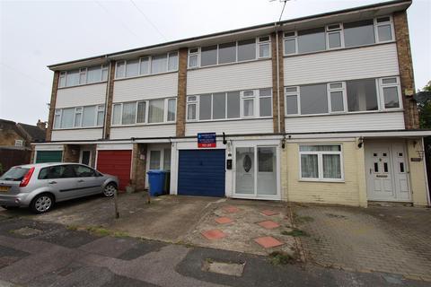 3 bedroom terraced house to rent - Romney Court, Sittingbourne