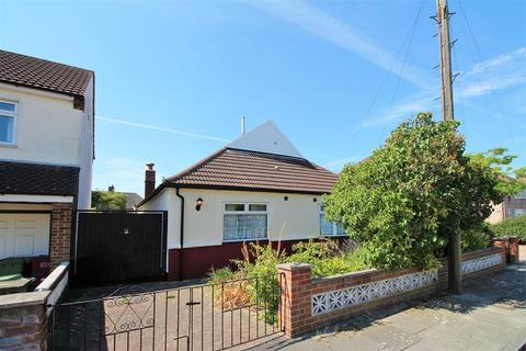 3 bedroom detached bungalow for sale - Somersham Road, Bexleyheath