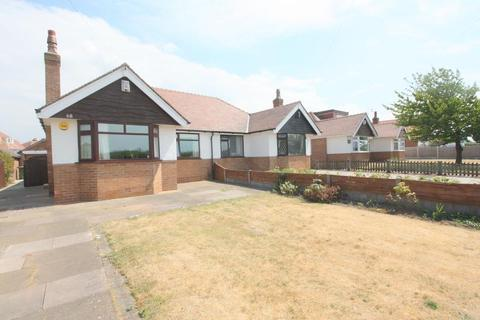 2 bedroom semi-detached bungalow for sale - Ince Road, Thornton, Liverpool