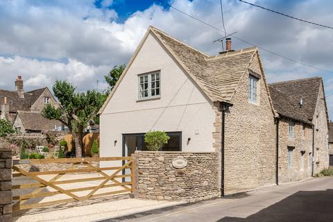 3 bedroom cottage for sale - Silver Street, Sherston