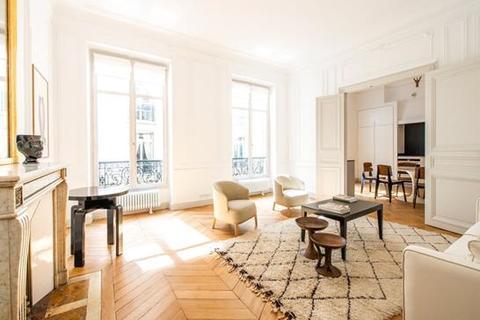 3 bedroom apartment  - Paris 07, Paris, Ile de France