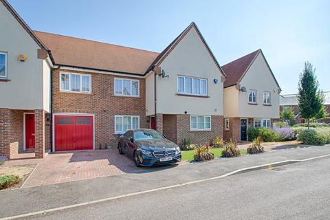 4 Bedroom Semi Detached House For Sale Lady Margaret Gardens Ware