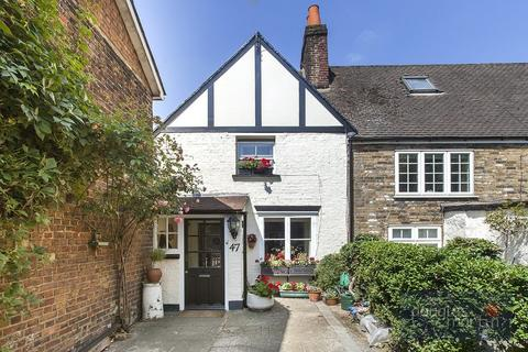 2 bedroom cottage for sale - The Burroughs, London, NW4