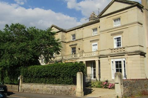 2 bedroom apartment to rent - Clifton, Richmond Park Rd, BS8 3AS